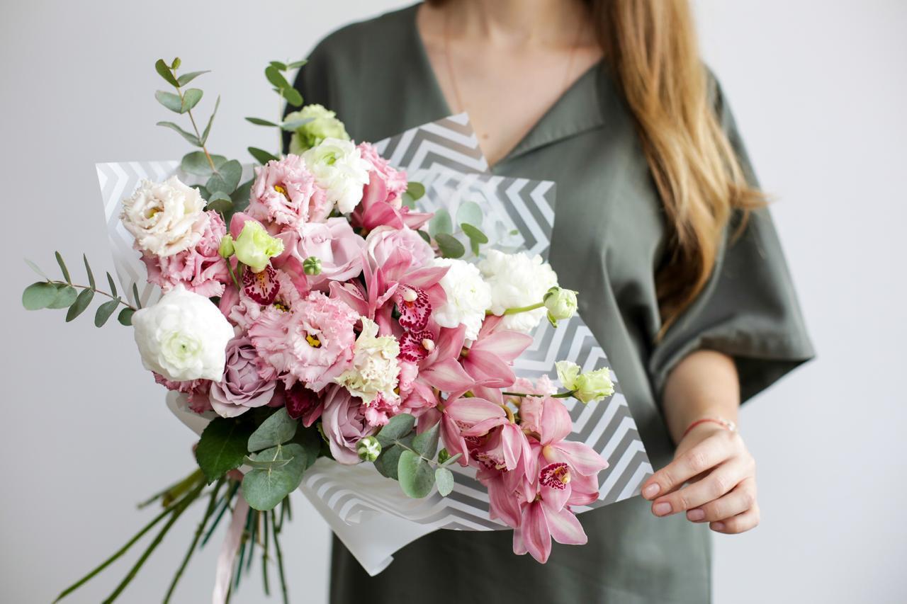 Доставка цветов в новосибирске цена